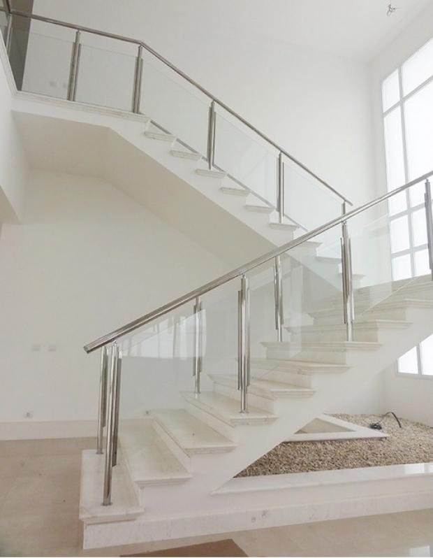 Corrimão Aço Inox com Vidro Preço Limeira - Corrimão de Escada Inox