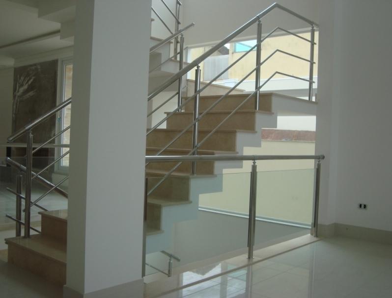 Corrimão Aço Inox com Vidro Valor Praia Grande - Corrimão de Escada de Inox