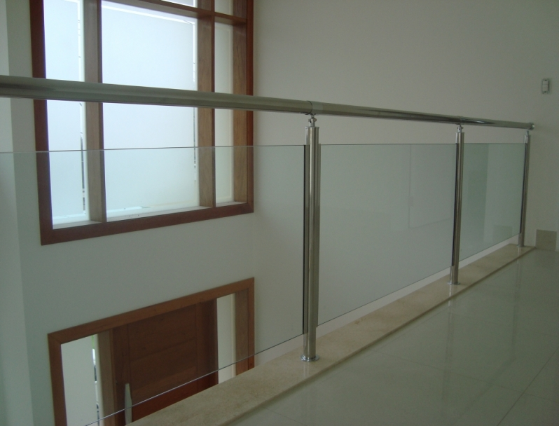 Corrimão de Aço Inox com Vidro Grajau - Corrimão de Aço Inox em Sp
