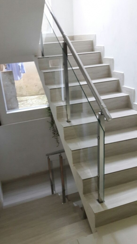 Corrimão de Escada em Vidro Temperado Vila Matilde - Corrimão de Vidro Fumê