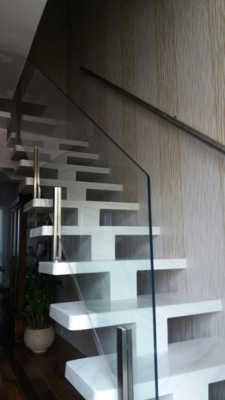 Corrimão de Vidro com Torre de Aço Perus - Corrimão de Vidro Fumê