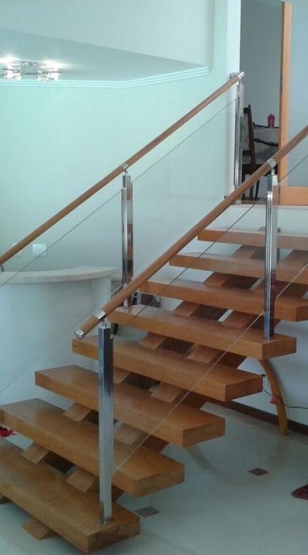 Corrimão de Vidro para Escada de Madeira Preço Santo Amaro - Corrimão de Vidro