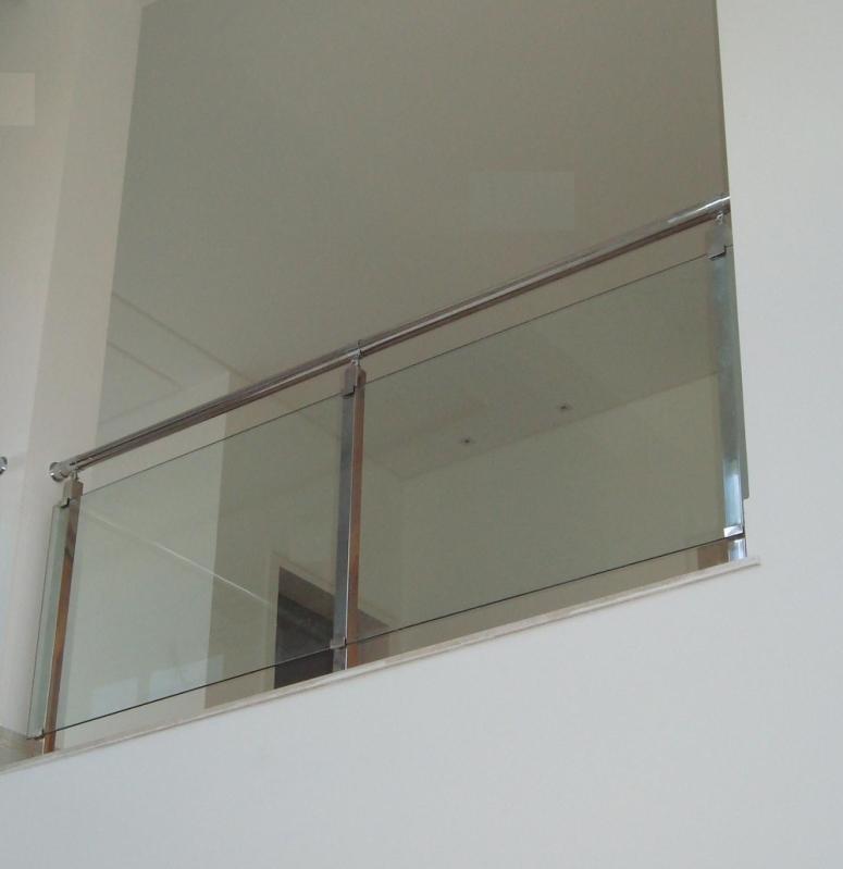 Corrimão Inox com Vidro Valor Tremembé - Corrimão de Escada de Inox