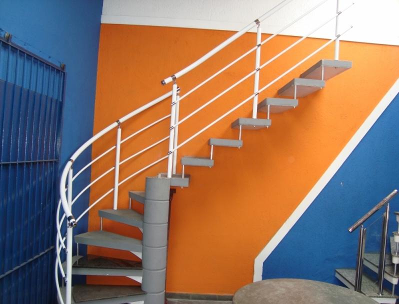 Corrimãos Pintados para Escadas Interlagos - Corrimão Pintado para Escada