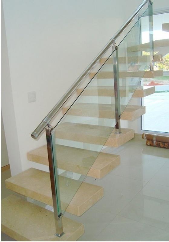 Corrimões de Escada em Vidro Temperado Vila Leopoldina - Corrimão de Vidro para Escada de Madeira