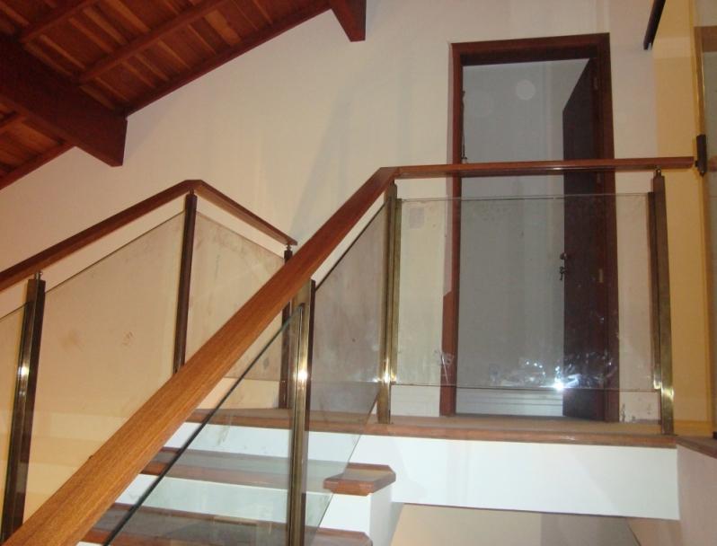 Corrimões de Vidro para Escada de Madeira São Carlos - Corrimão de Escada em Vidro Temperado
