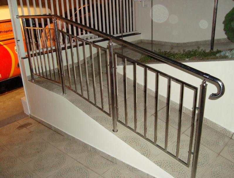 Fábrica de Corrimão de Aço Inox Pintado Local Vila Esperança - Fábrica de Corrimão de Aço Inox para Escadas