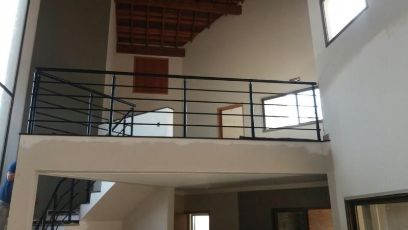 Fábrica de Corrimão de Ferro para Escada Interna Localização José Bonifácio - Fábrica de Corrimão de Ferro Cromado