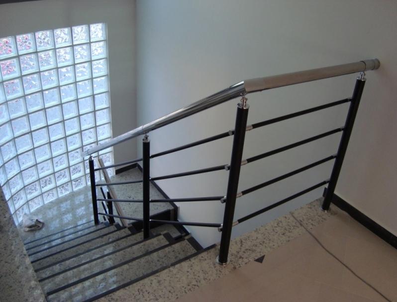 Fábrica de Corrimão de Ferro para Escada Interna Tatuapé - Fábrica de Corrimão de Ferro com Vidro