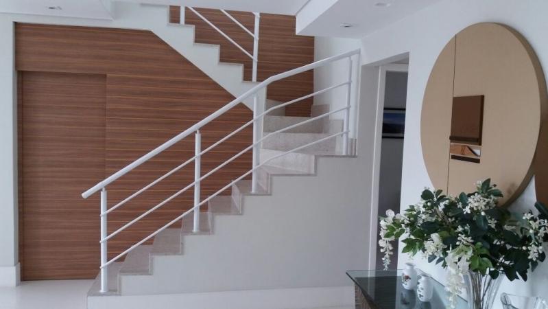 Fábrica de Corrimão para Escada Localização Liberdade - Fábrica de Corrimão de Ferro com Vidro