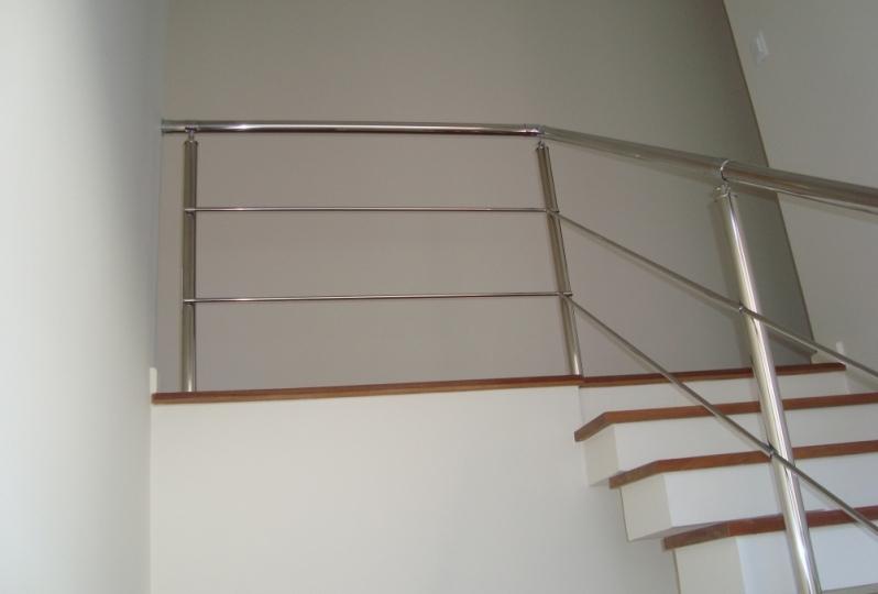 Fábricas de Corrimão de Aço Inox e Vidro Brasilândia - Fábrica de Corrimão de Aço Inox para Escadas