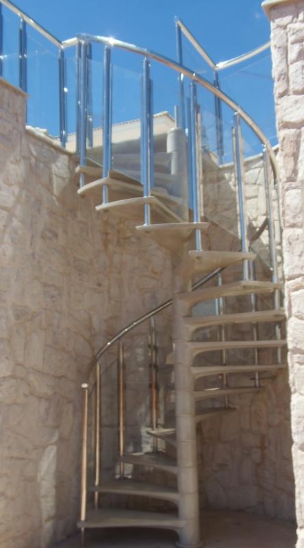 Instalação de Corrimão de Aço Inox para Escada Caracol Santo Antonio do Pinhal - Instalação de Corrimão de Aço Inox e Vidro