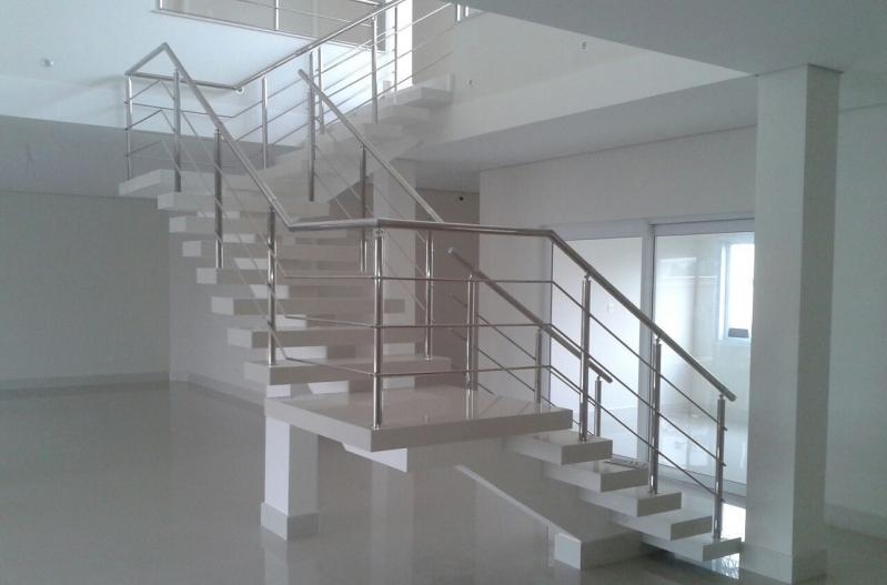 Instalação de Corrimão de Aço Inox para Escadas Valor Parque São Rafael - Instalação de Corrimão de Aço Inox com Vidro
