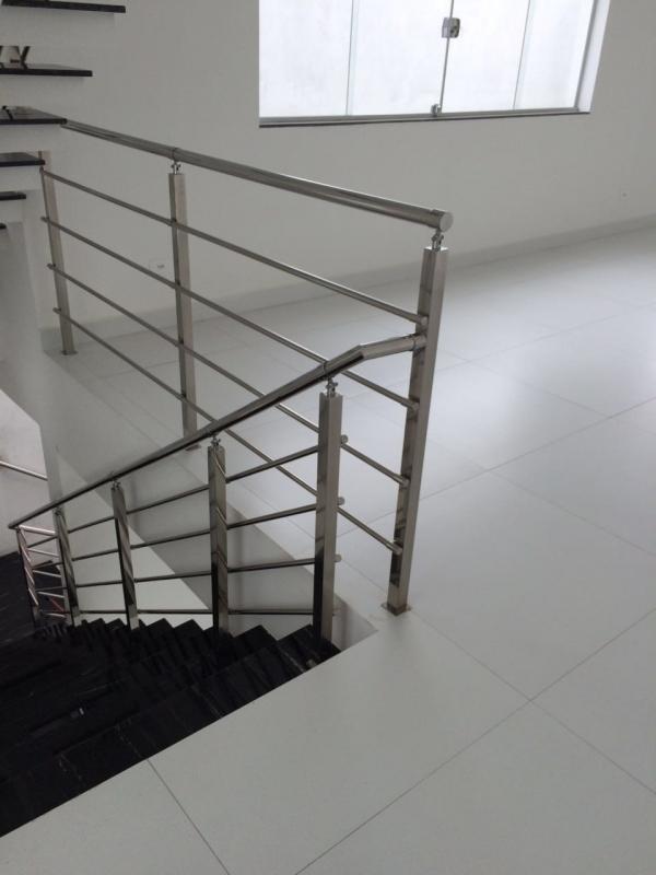 Instalação de Corrimão de Inox para Escada Vila Curuçá - Instalação de Corrimão de Aço Inox com Vidro