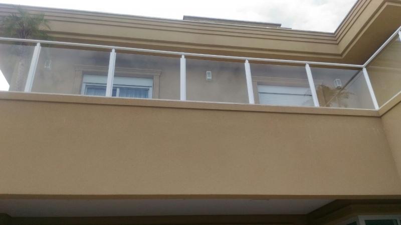 Instalação de Corrimão de Vidro e Alumínio Barra Funda - Corrimão de Escada em Vidro Temperado