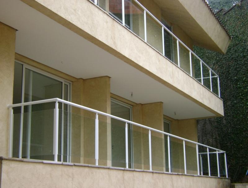 Instalação de Corrimão de Vidro para Sacada Perdizes - Corrimão de Vidro Residencial