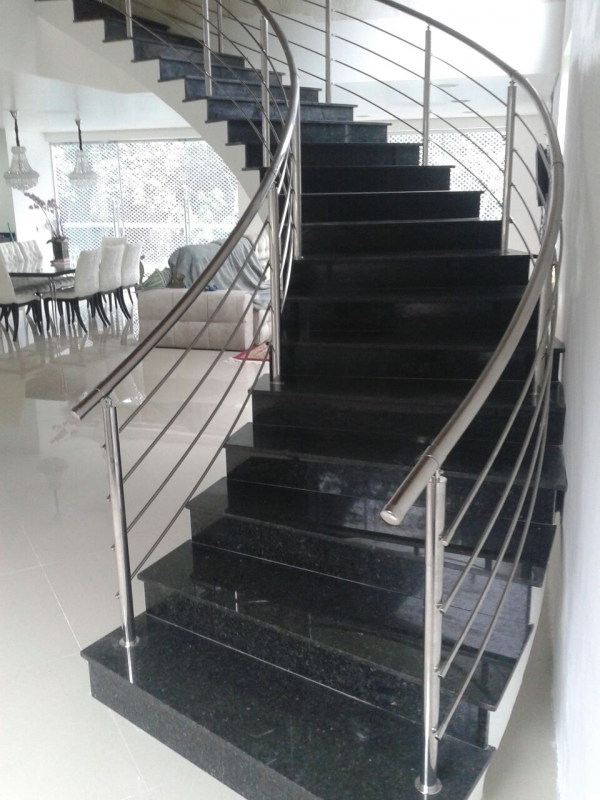 Instalação de Corrimão em Aço Inox Valor Itanhaém - Instalação de Corrimão de Aço Inox com Vidro