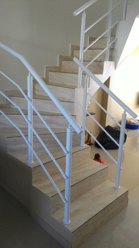 Onde Encontrar Fábrica de Corrimão para Escada Guaratinguetá - Fábrica de Corrimão de Ferro com Vidro