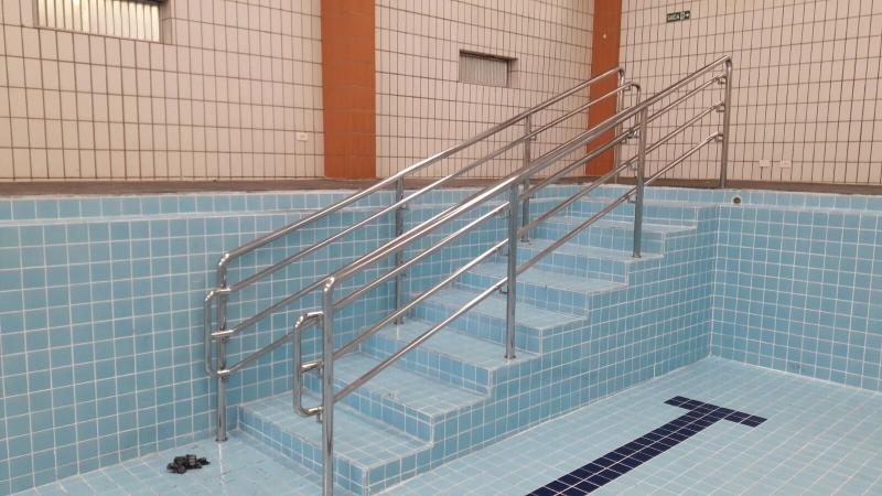 Onde Tem Fábrica de Corrimão de Aço Inox para Piscina Jardins - Fábrica de Corrimão de Aço Inox para Escadas