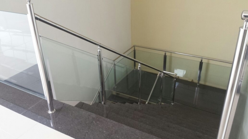 Orçamento de Corrimão de Inox e Vidro Praia Grande - Corrimão de Escada de Inox