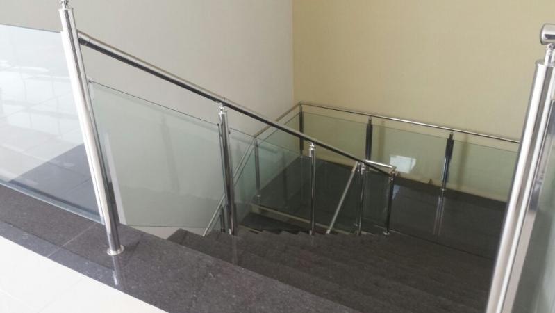 Orçamento de Corrimão Inox com Vidro Peruíbe - Corrimão de Escada de Inox
