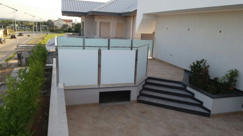 Quanto Custa Corrimão de Vidro para Varanda Tremembé - Corrimão de Vidro para Escada de Madeira