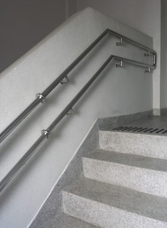 Serviço de Instalação de Corrimão de Aço Inox sob Medida Artur Alvim - Instalação de Corrimão de Aço Inox com Vidro