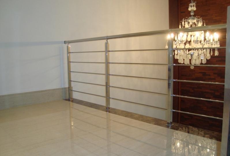 Serviço de Instalação de Corrimão em Aço Inox Cambuci - Instalação de Corrimão de Aço Inox com Vidro
