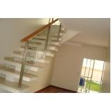 corrimão de madeira para escada interna preço Barueri