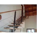 corrimão para escada de madeira orçar Sumaré