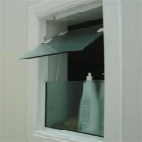 janela de vidro basculante Anália Franco