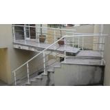 procuro por corrimão para escada externa São Lourenço da Serra